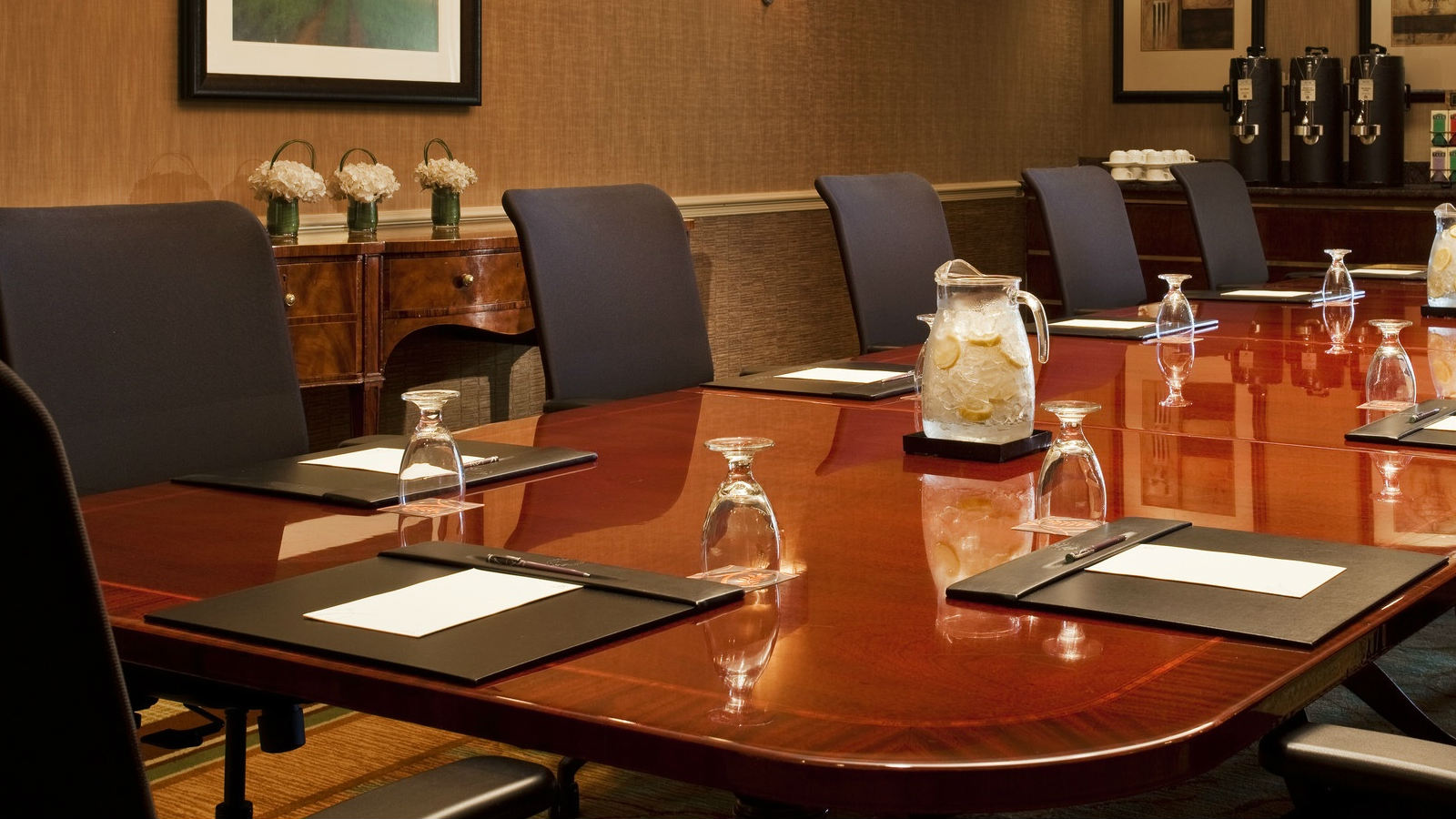 Sheraton Suites Old Town Alexandria Boardroom