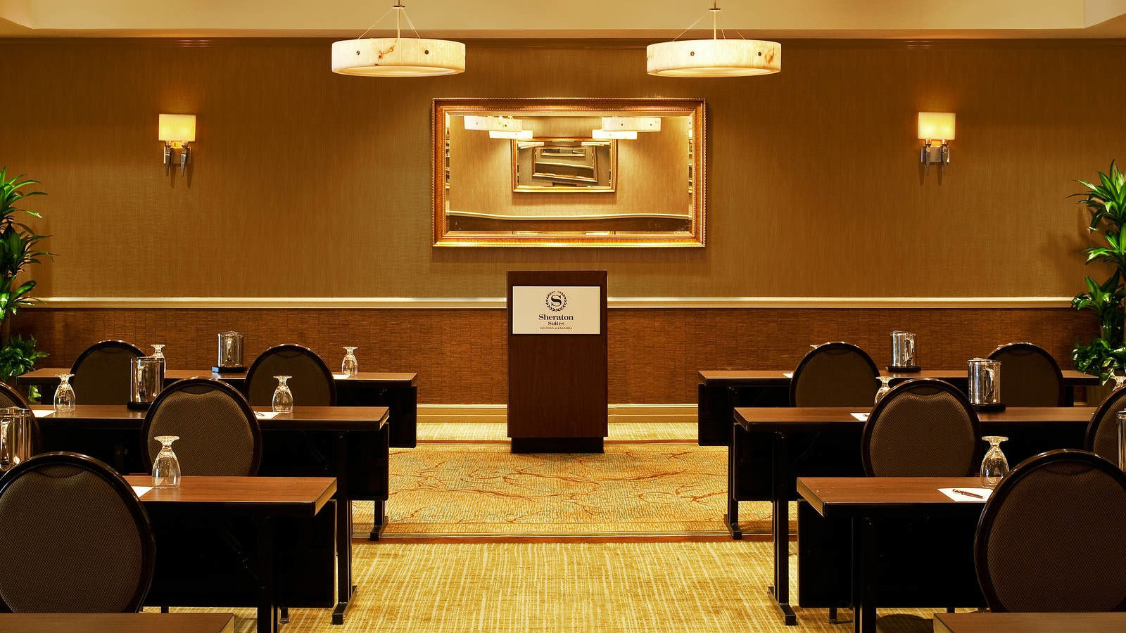 Alexandria Meetings | Large Group Space Sheraton Suites Old Town Alexandria