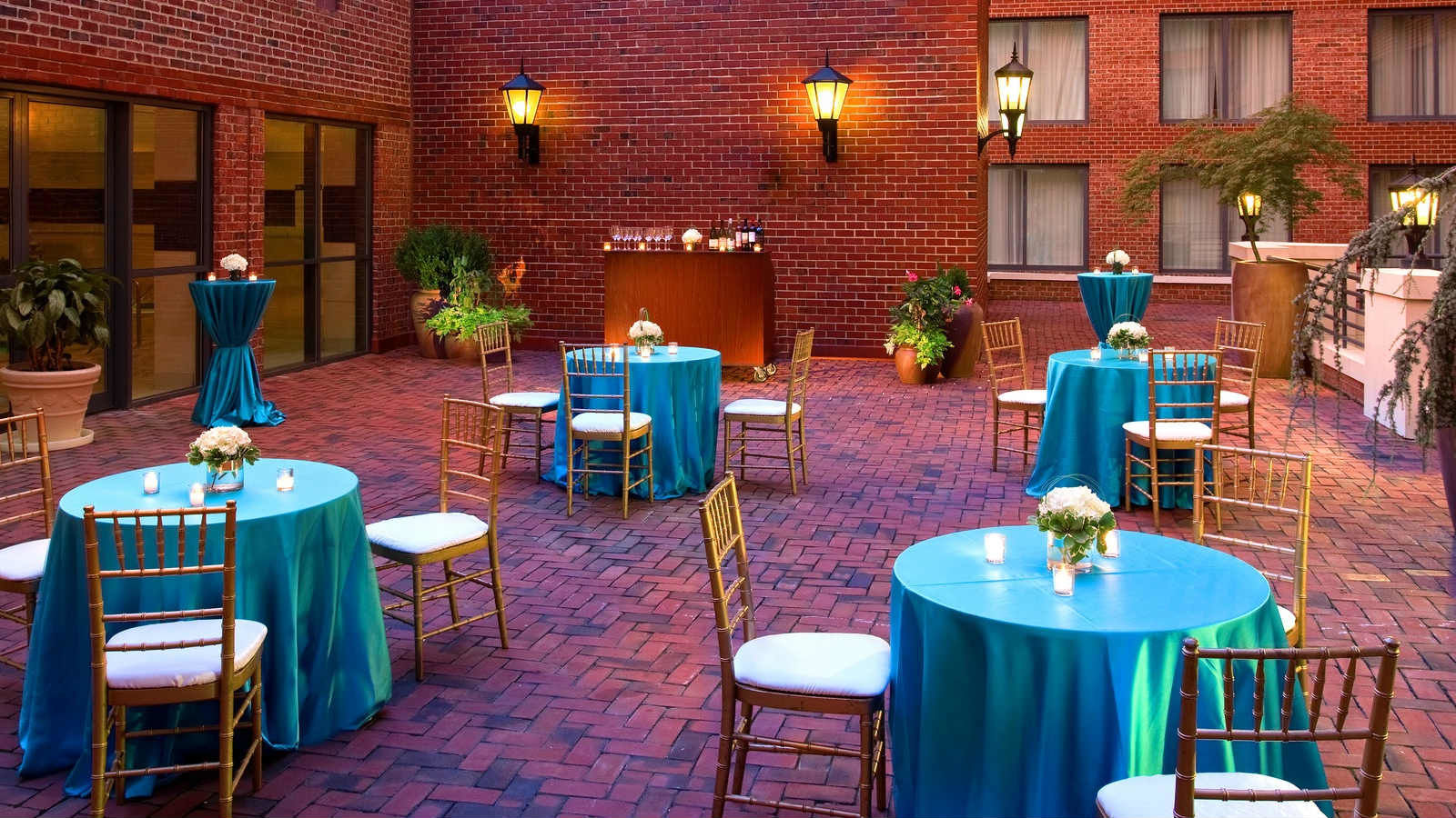 Alexandria Weddings | Outdoor Sundeck
